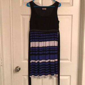 Dresses & Skirts - Black and blue dress with waist tie